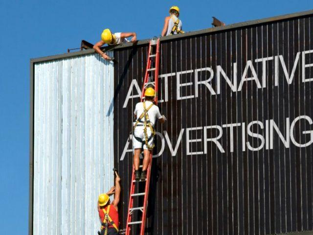 Alternative Advertising - servicii publicitare - campanii publicitare - decorari panouri publcitare